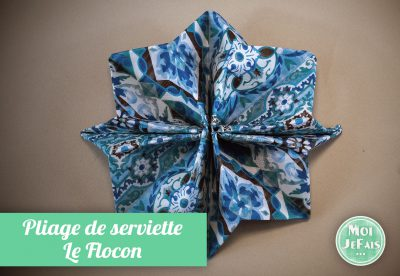 pliage serviette de flocon