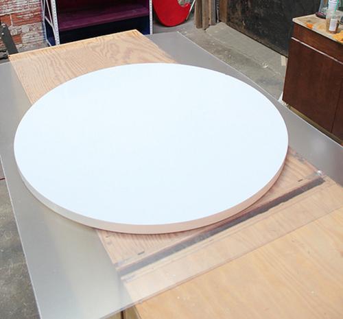 Repeindre une table basse en fer - Peindre une table en fer ...