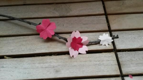 moi je fais diy des fleurs de cerisier. Black Bedroom Furniture Sets. Home Design Ideas
