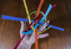 boule avec bandelette en papier