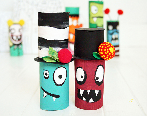 bricolage halloween avec des rouleaux de papier toilette diy. Black Bedroom Furniture Sets. Home Design Ideas
