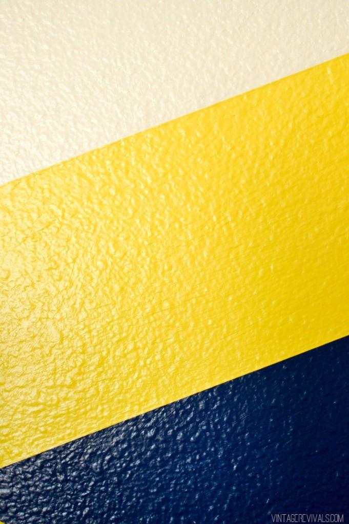 Faire une decoration murale chic et retro diy - Peindre ligne sur mur ...