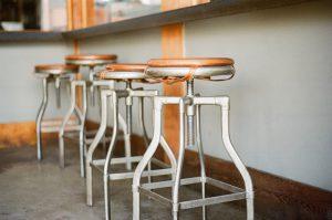 chaise bar