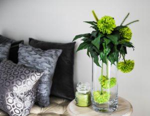 composition de fleurs facile